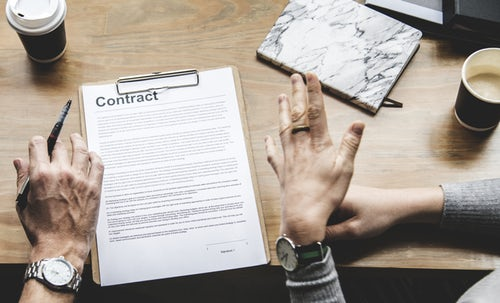 Negotiating executive employment contract terms
