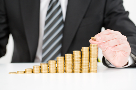 CFO compensation package - bonuses, equity, severance
